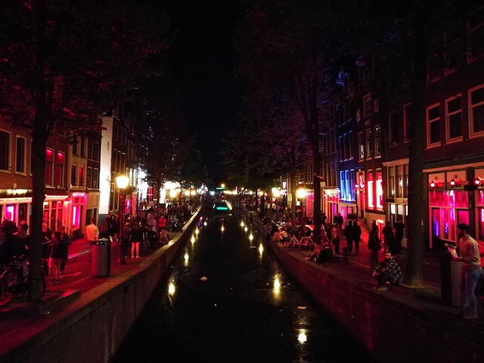 Red lights district, Amsterdam Redlight Redlights District Amazing CrazyLife Inlove Amsterdam Amsterdamcity Amsterdam Canal Night Nightphotography Night View Nightvibes Vibes Traveling Enjoying Life Enjoying Traveling Enjoying The View Hanging Out Holland Taking Photos Check This Out Hello World Colour Of Life Night Lights