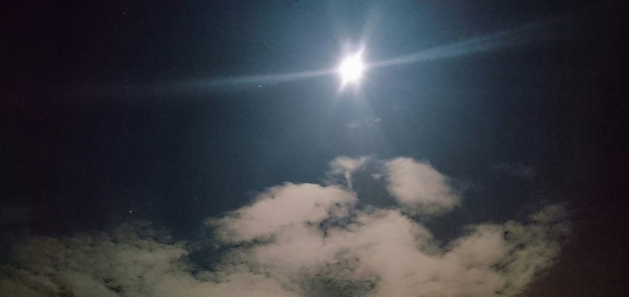 Sky No People Outdoors Nightphotography Night Moonlight Moon Glowing Moonlight Moon Light Moon Shots