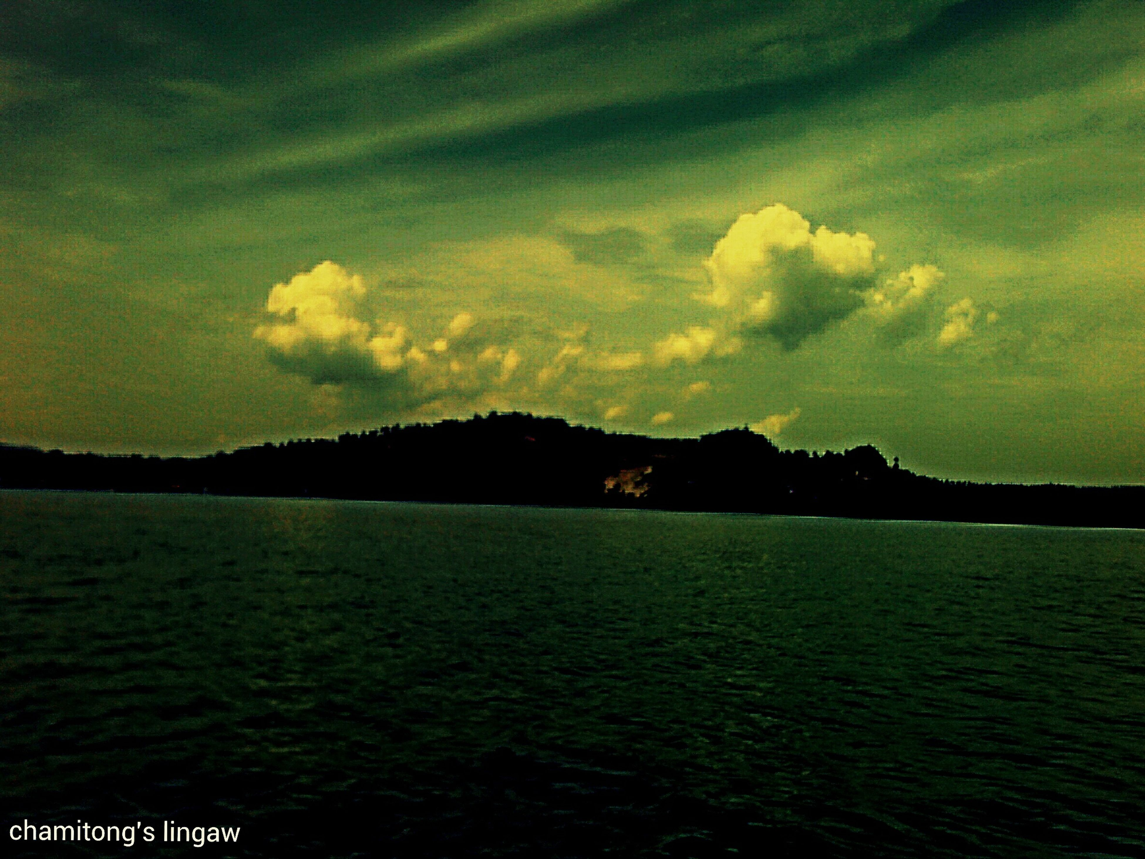 water, sky, scenics, tranquil scene, beauty in nature, tranquility, sunset, waterfront, nature, silhouette, sea, cloud - sky, idyllic, cloud, dusk, mountain, rippled, cloudy, outdoors, river