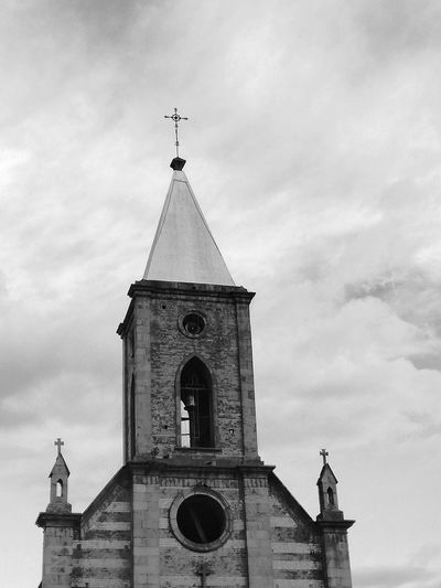 Religion Architecture History Building Exterior Clock Tower Built Structure Façade Outdoors Day Clock Black & White Colombia Architecture Town Travel Destinations Boyacá, Colombia HuaweiP9