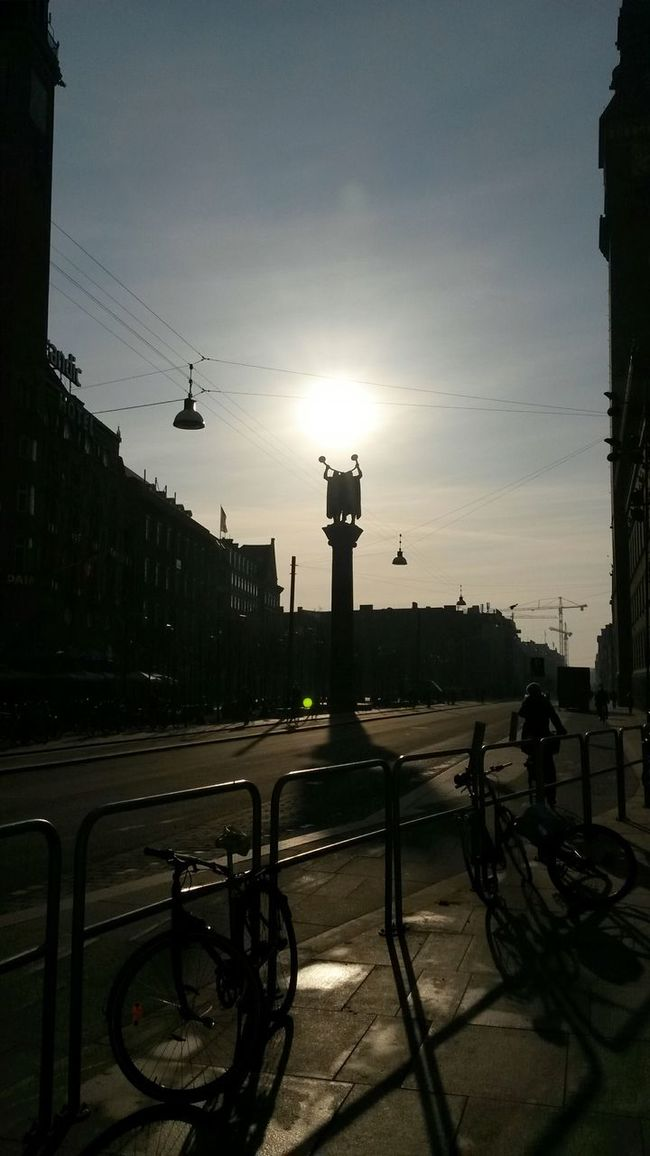 Sunshine Morning Sun Statues Shadows Cityscapes Columns