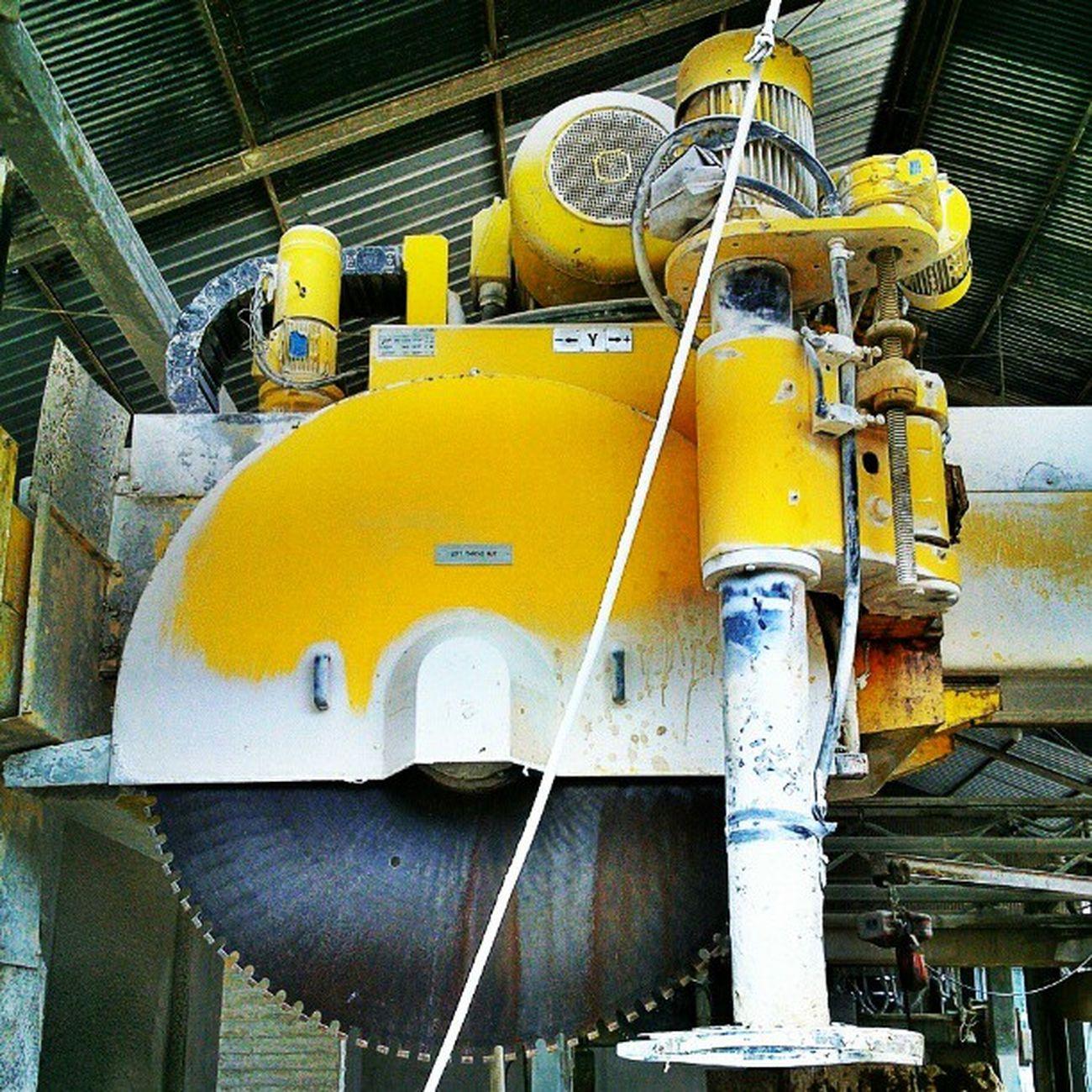 Block Cutter. Ekskursi PT. Industri Marmer Indonesia Tulung Agung, Jawa Timur. MiningEngineering Kuliah Lapangan BlockCutter