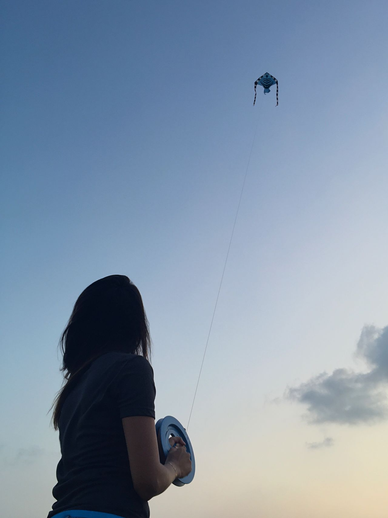 Things I Like Photography In Motion Here Belongs To Me Perspectives Flying A Kite Kite Sky Relaxing Enjoying Life Street Photography People
