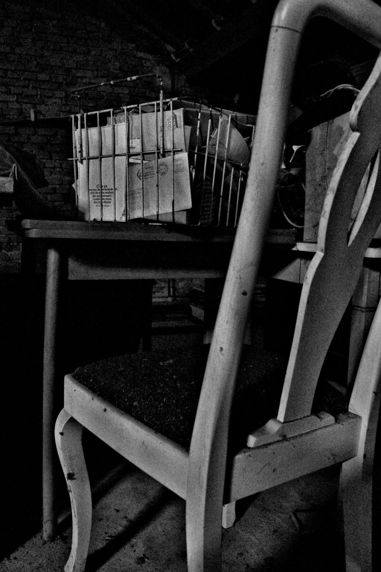 Blackandwhite Chair Old