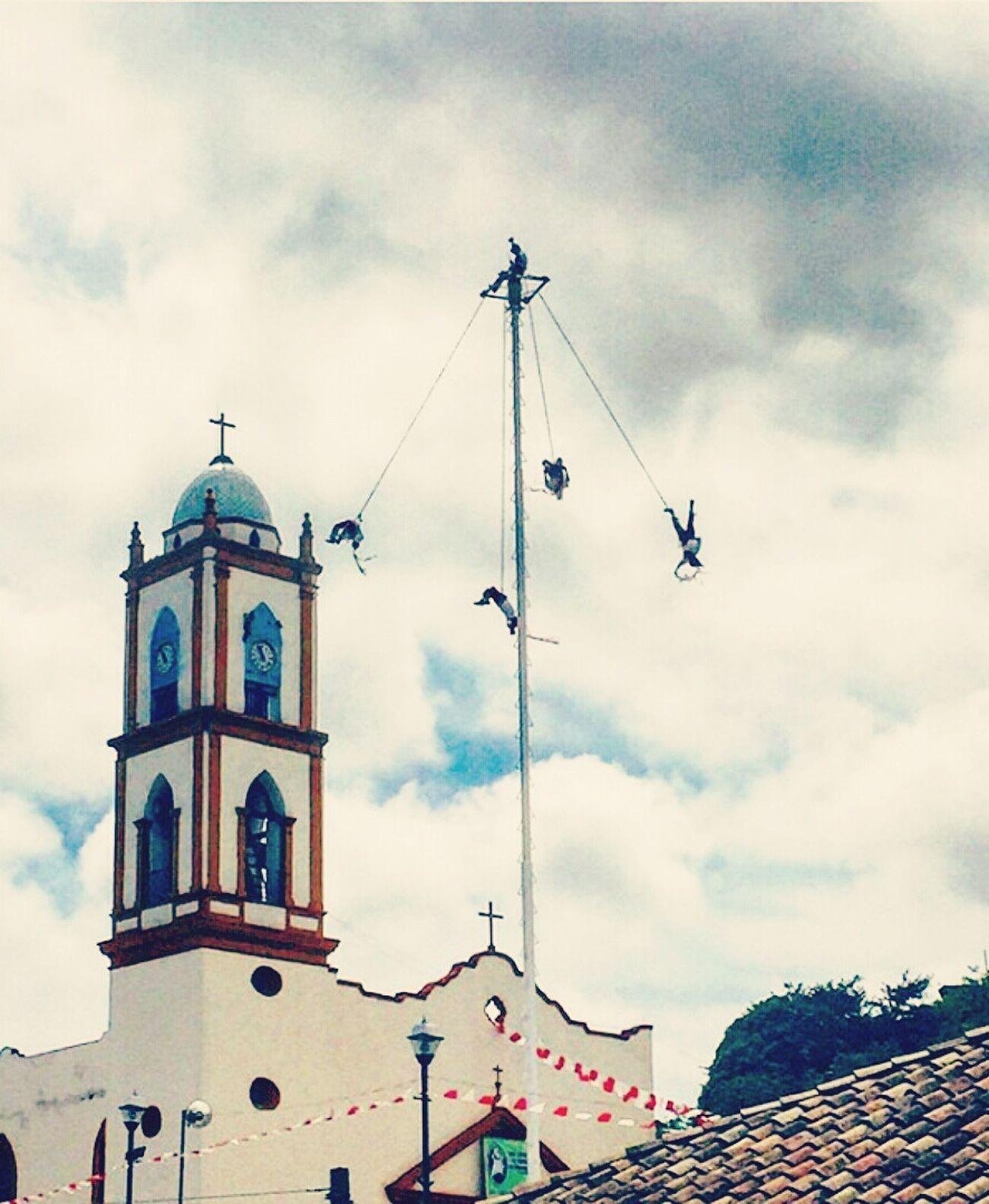 Voladores de papantla.