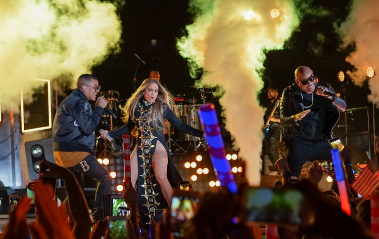Jennifer Lopez pre-taping a performance with Gente De Zona for the 2017 Macy's Fourth of July Fireworks held in Long Island City, NY. Artists Arts Culture And Entertainment Celebrity Concert Dance Dancing Event Gente De Zona Jennifer Lopez Jlo Music Musical Instrument Musician Night Performance Performance Group Performing Singer  Singing Smoke Stage Stage Smoke