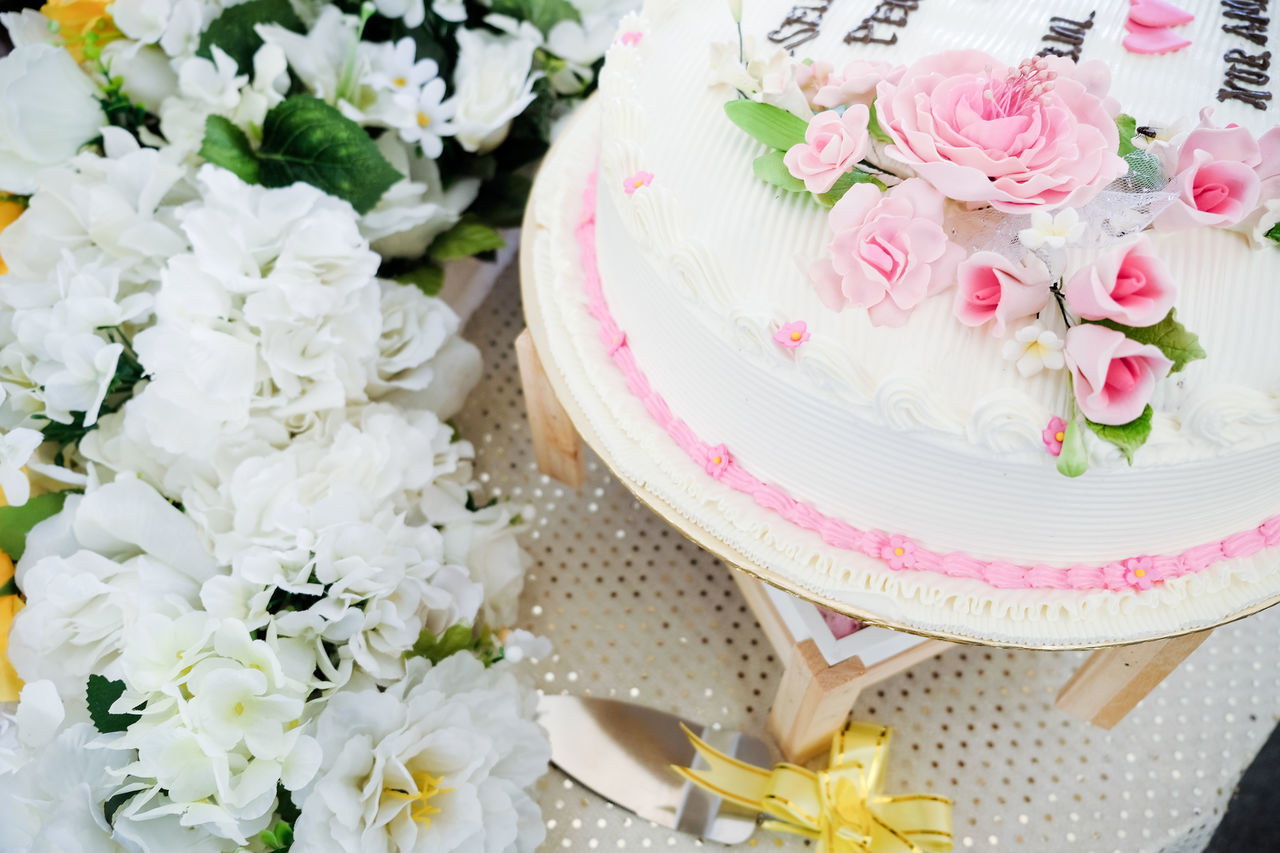 Beautiful stock photos of magnolie,  Cake Stand,  Celebration Event,  Close-Up,  Cultures