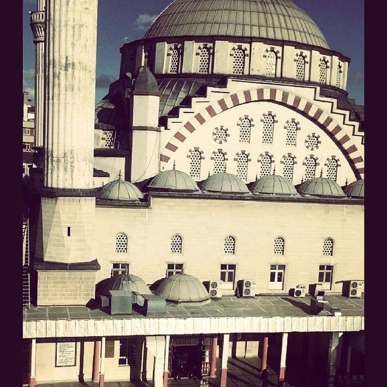 Kursumun manzarası en güzeli ♥ Izzetpasa Cami Elaz ığ Mosque objektifimden all_shots turkey instaturkey photooftheday pictureoftheday thebestphoto tagsforlikes like instalike ig_turkey instagram instaphoto
