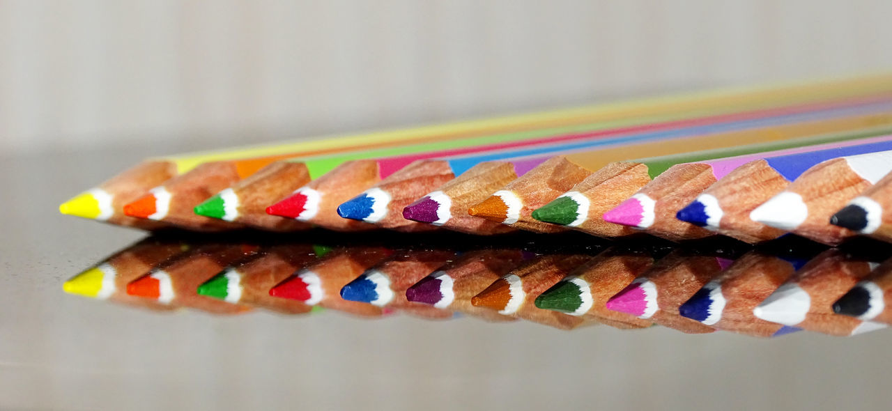 Colors Colorful Pencil Coloring Pencils Pencils Arrangement Reflection Close-up Still Life StillLifePhotography Reflections Reflection_collection EyeEm Masterclass EyeEm Best Shots From My Point Of View Colour Of Life