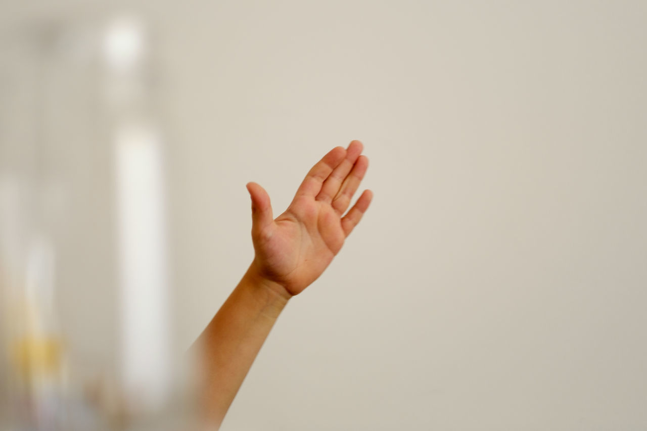 Blurry Foreground Bokeh Close-up Day Glass Human Body Part Human Hand Indoors  Kid Kids Hand One Person People White Wall
