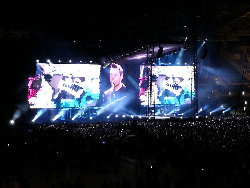 Stadio Olimpico 30/Giugno/2017 Tiziano Ferro Tour 2017 The Purist (no Edit, No Filter) Color Photography Arts Culture And Entertainment Night Performance Popular Music Concert Music Stage - Performance Space Crowd Stage Light Music Festival Illuminated Event Nightlife Audience Fun Live Event Silhouette Celebration Performing Arts Event Fan - Enthusiast Excitement Rome Italy🇮🇹