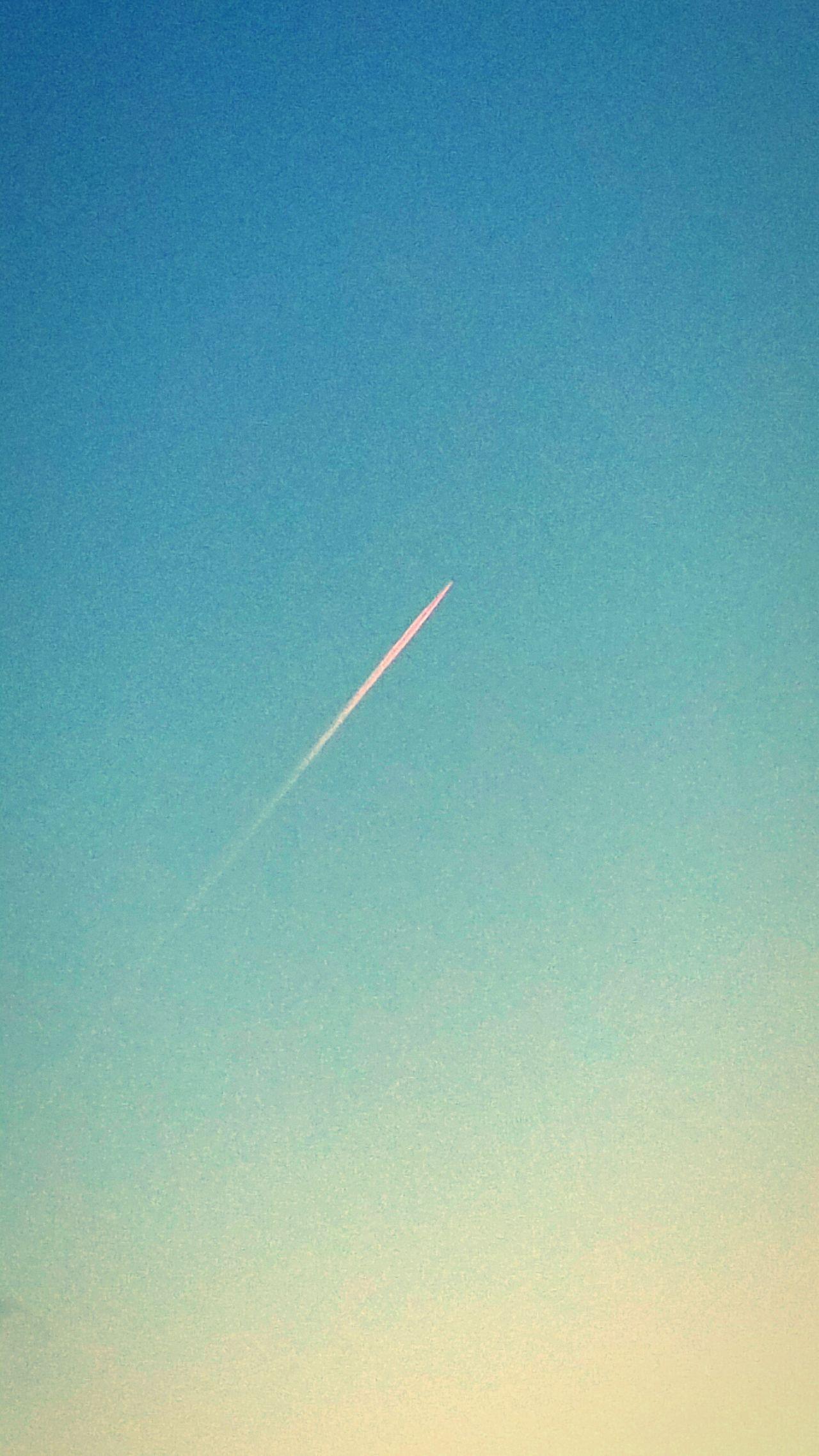 35.ooofeet Plane Contrails Sky