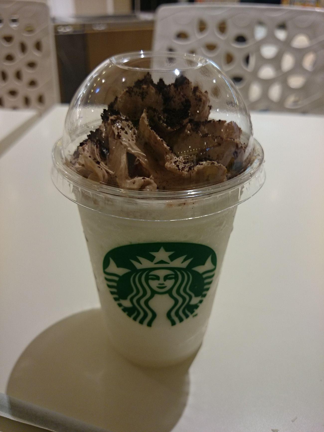 Hokkaido,Japan Starbucks Drinking Starbucks 新千歳空港店限定のフラペチーノ(・ω・)。