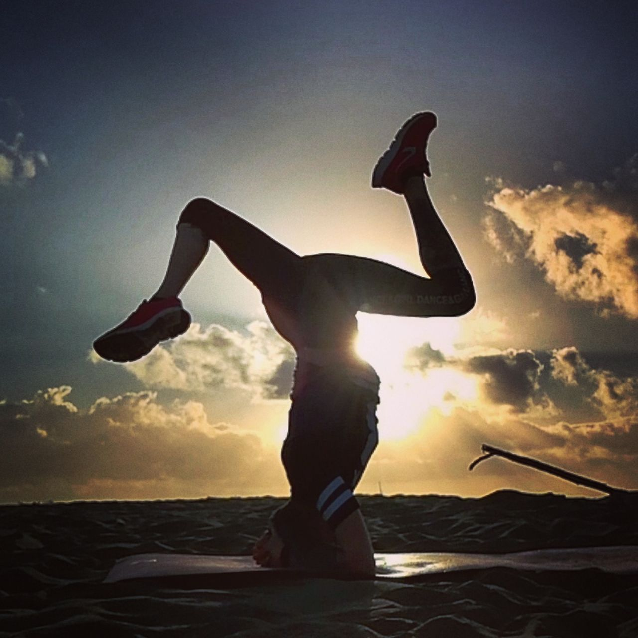 Silhouette One Person Adult Flexibility Exercising People Lifestyles Healthy Lifestyle Sport Real People Water Outdoors Sky Nature Day Relax Artistic Photo Coolpics Women Real Life Body & Fitness Sunlight Sunday Young Women Loveyoga