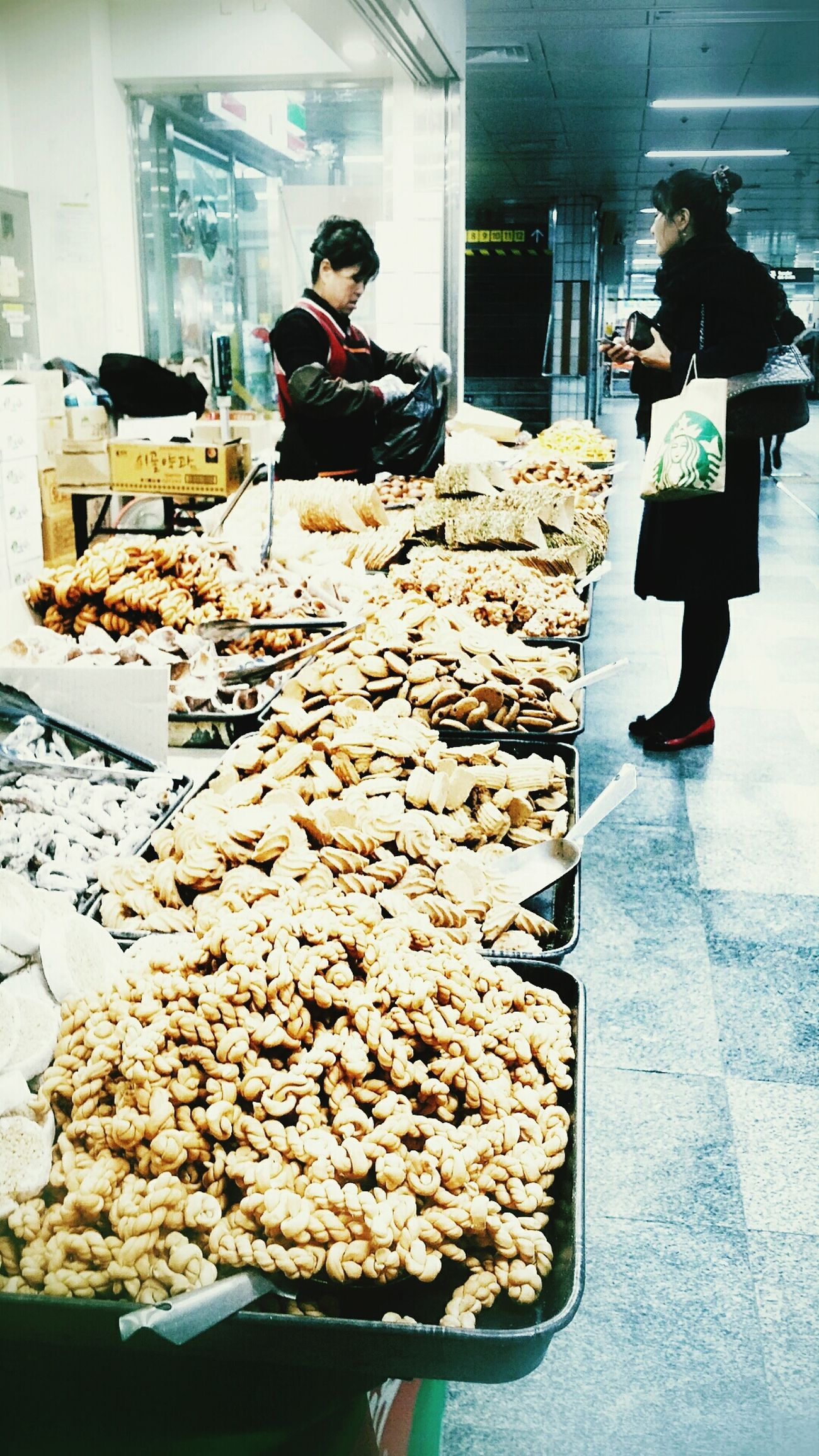 Underground Shopping Snacks Seoul_korea