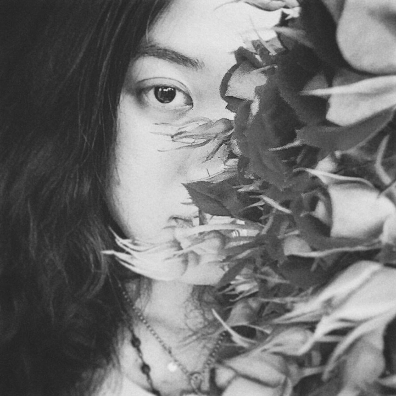 Hi flowers~ Black 1/2 Face Blackandwhite Flowers