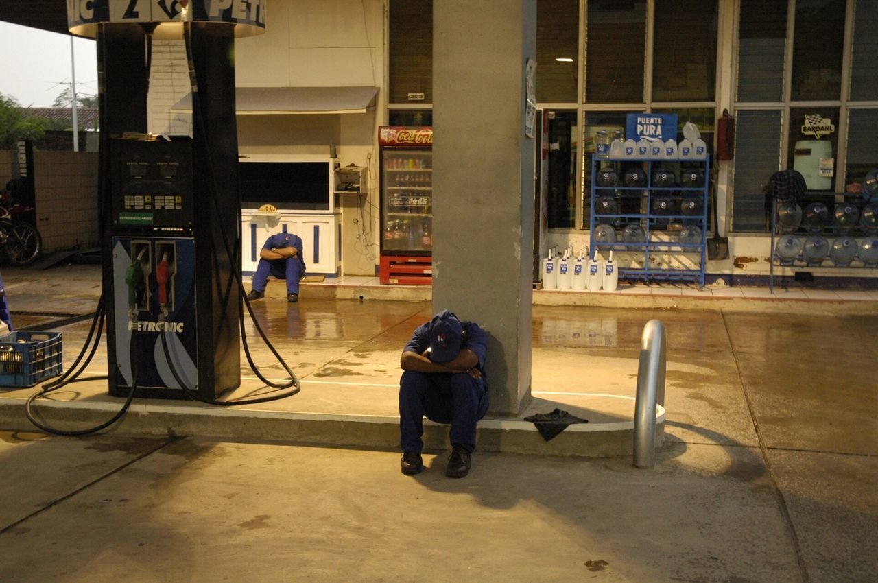 Nicaragua Gas Gas Station Gas Station Guy Sleeping Tired Work Latin America Petrol Station The Photojournalist - 2016 EyeEm Awards