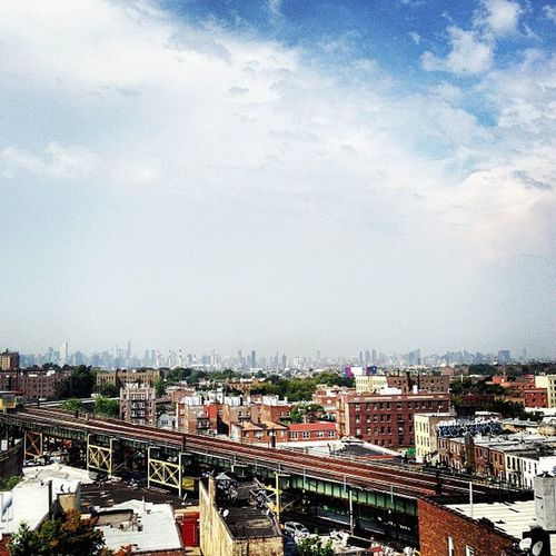 Taking Photos Relaxing Enjoying Life NYC Photography Viewfrommyiphoneornikon Photography POV NYC Manhattan Queens NYC Skyline Woodside New York 7line 7train Vintage The City Light