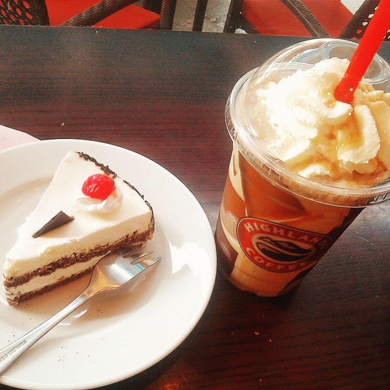 Vscocam Love Highlandscoffee 😍😍😍😍 Caramel Delicious Loveit Coffeetime Loveit Foodyhanoi Vietnam Great Lovely Blackforestcake Niceview Goodday Alonetime 🍹🍹🍰🍰