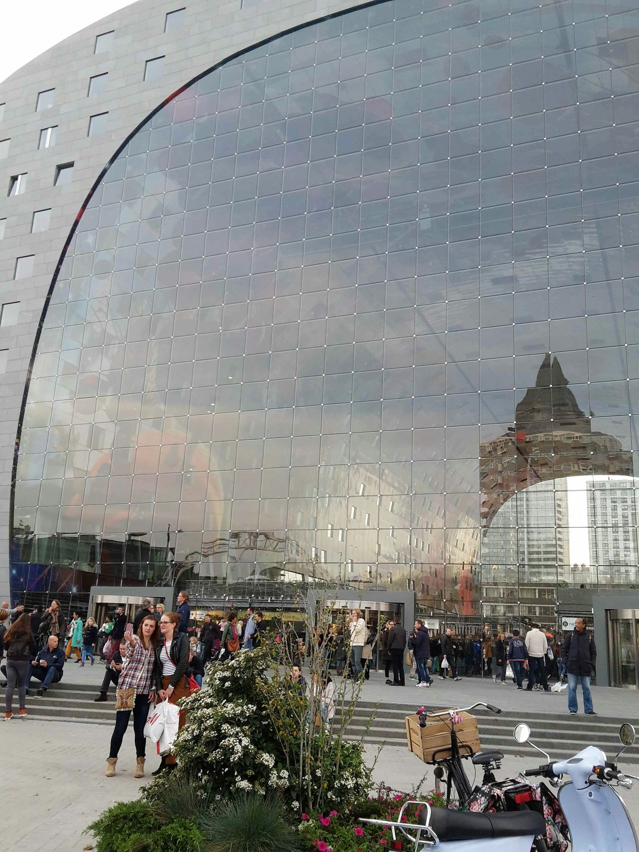 Here Belongs To Me Rotterdam Markthal Markthalrotterdam Reflections Better Look Twice Architecture Koolhaas