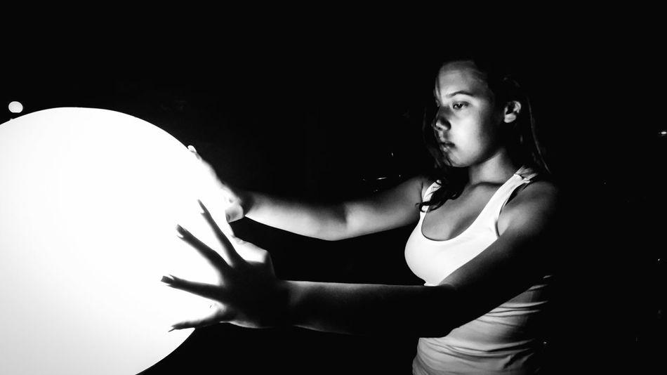 Hold the light! EyeEm Best Shots Photooftheday Photography Lovers Bw_society Bw_life Bw_love Blackandwhite Photography Beautiful Bw_portraits Photo Art Photography Is Life Camera Love Blackandwhite Photography Street Photography