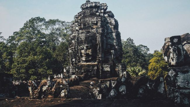 Angkor Wat Angkor Thom Siamreap Religion Spirituality Human Representation Art And Craft Place Of Worship Famous Place History Statue Sculpture Art Rock Formation Tourism Temple - Building Buddha Travel Destinations