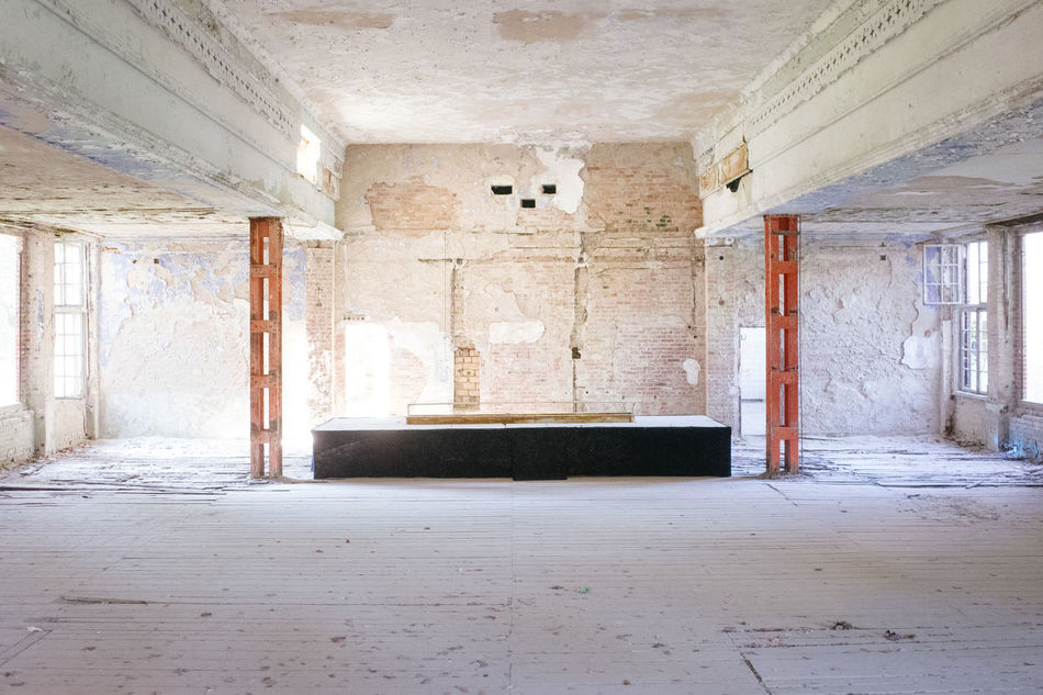 Abandoned Abandoned Places Architecture Bad Condition Bar Day Door Hall Indoors  No People Sunlight Tanzen Window