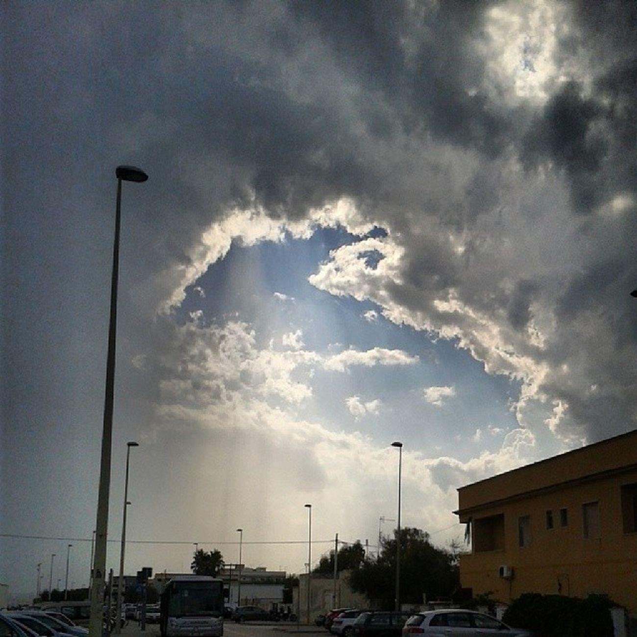 Sky Squarcio Raggi Natura