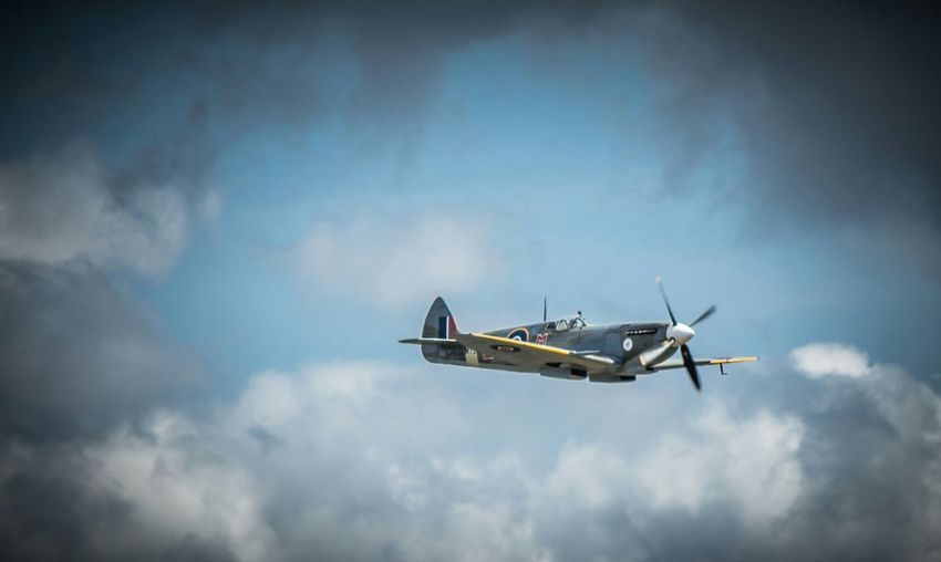 Spitfire Eye4photography  Flying Legends Canon Eos 650D Iwm Duxford Air Show Clouds And Sky 1940s Battle Of Britain Duxford Spitfire