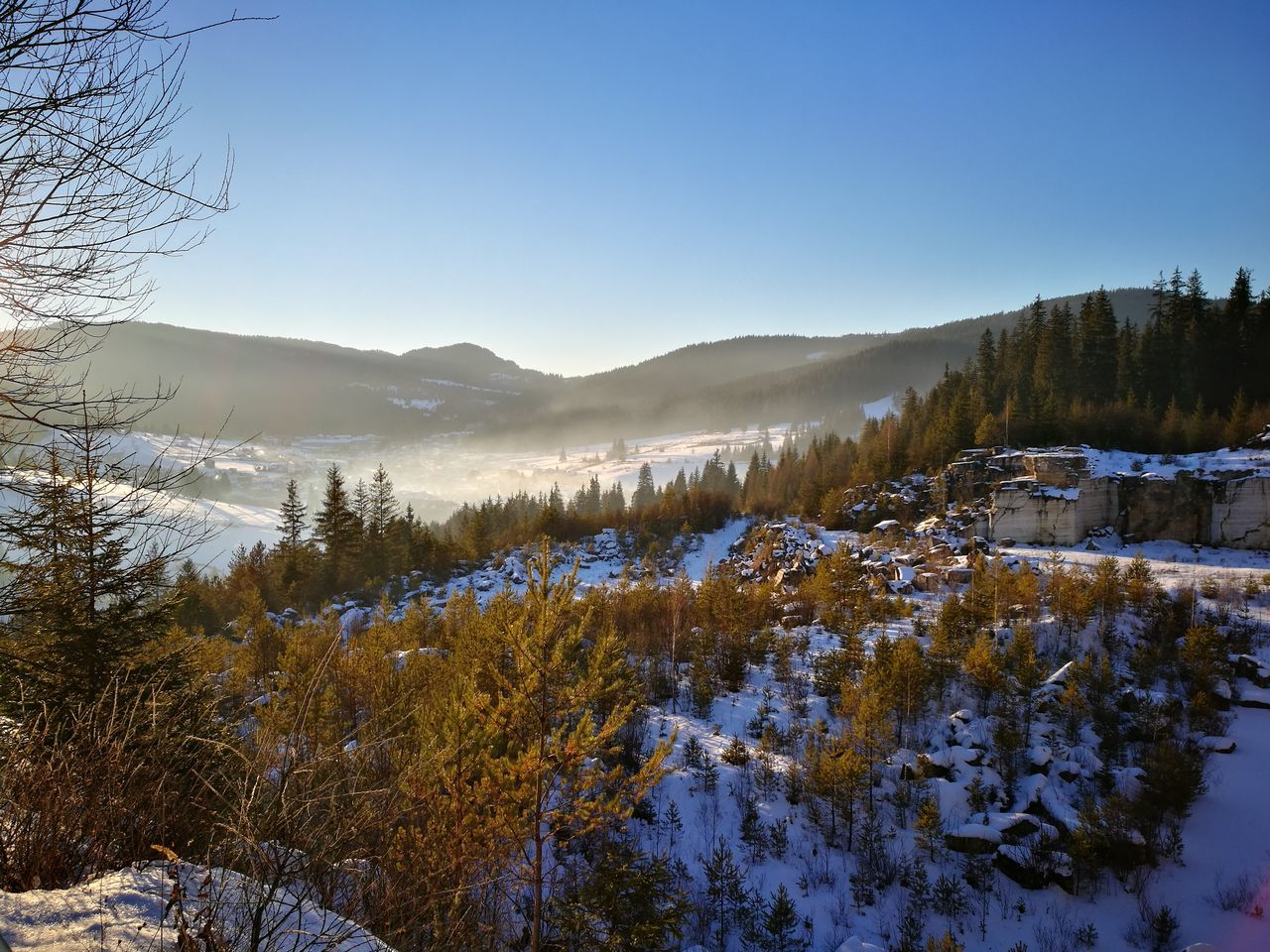 winter, cold temperature, snow, nature, tranquility, tranquil scene, beauty in nature, scenics, mountain, no people, outdoors, tree, clear sky, landscape, day, mountain range, sky