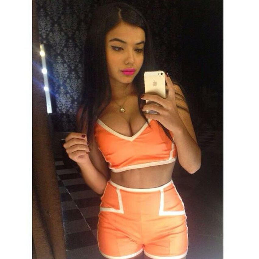 It's party timeeee Friday Today's Hot Look Beauty SelfieInMirror Enjoying Life Party Time Go!