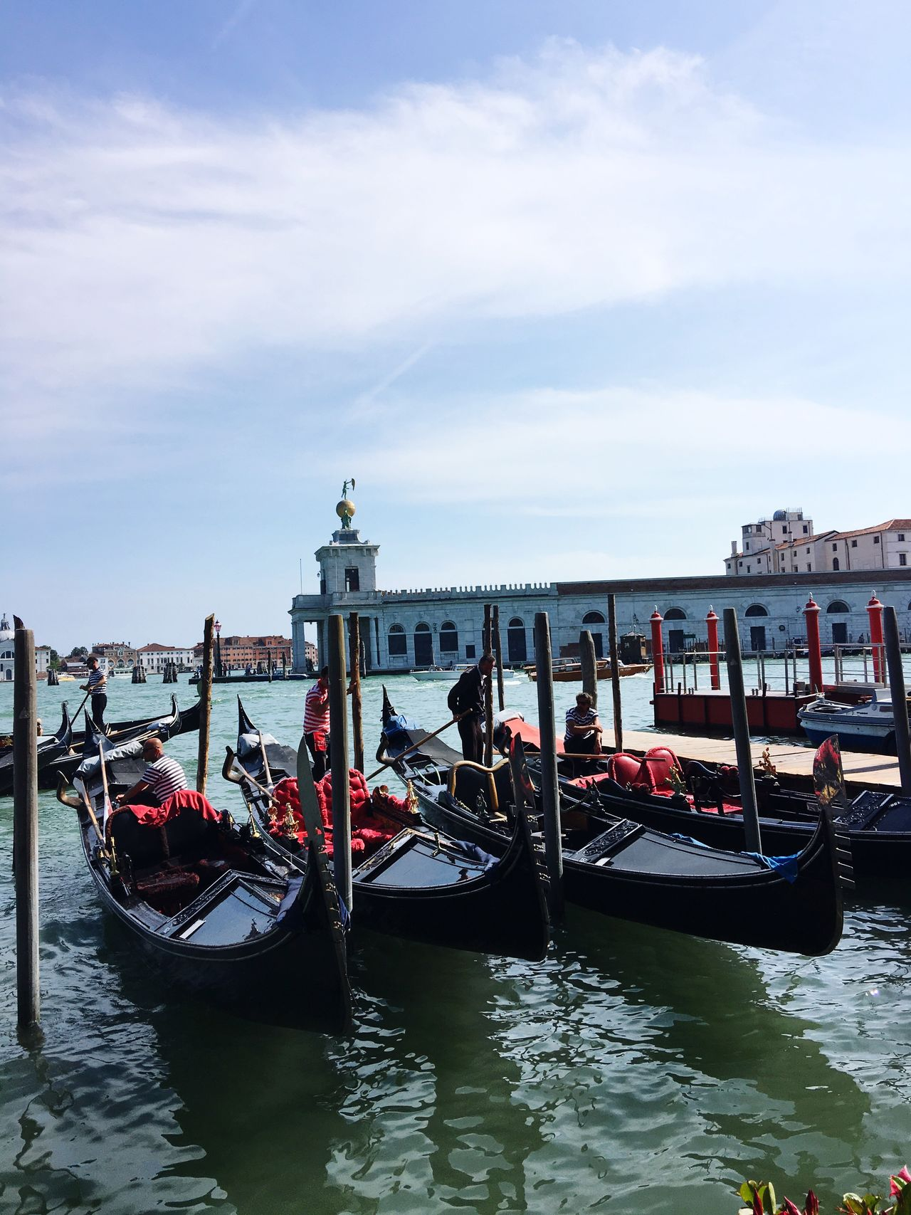 Venecia Venicelife Gondola Gondolas Gondole Gondole In Venice Gondola Ride Gondola - Traditional Boat Venice Venizia Venice View Travel Destinations Venice Canals Travel Photography Italy🇮🇹 Italia EyeEm