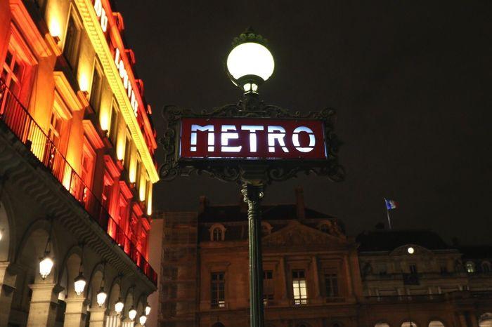 Paris Metro Paris By Night Paris Louvre EyeEm No People Photography Streetphotography Street Photography ITLGM Travel Destinations