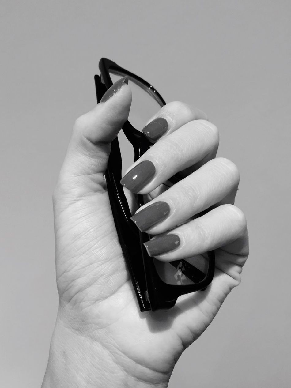 Human Hand Human Body Part Holding One Person Close-up White Background Black And White Black & White Hand Glasses Stylish Fashion Manicure Nails Real People Fingers Grip