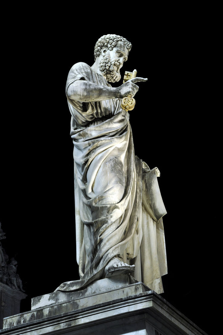 Marble statue of Saint Peter at night. Vatican city Biblical  Legendary Pope Religious Art Saint Peter's Basilica VaticanCity Heritage Holding Keys Human Representation Italy Landmark Monument Monumental  Night No People Outdoors Religion Religious  Religious Figure Rome Italy Saint Saint Peter Sculpture Statue Symbol
