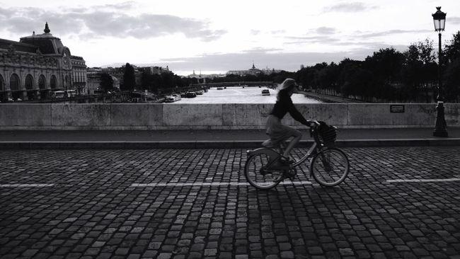 Taking Photos Enjoying Life Streetphotography Black & White Motion Blur Speed Wallpaper Bike