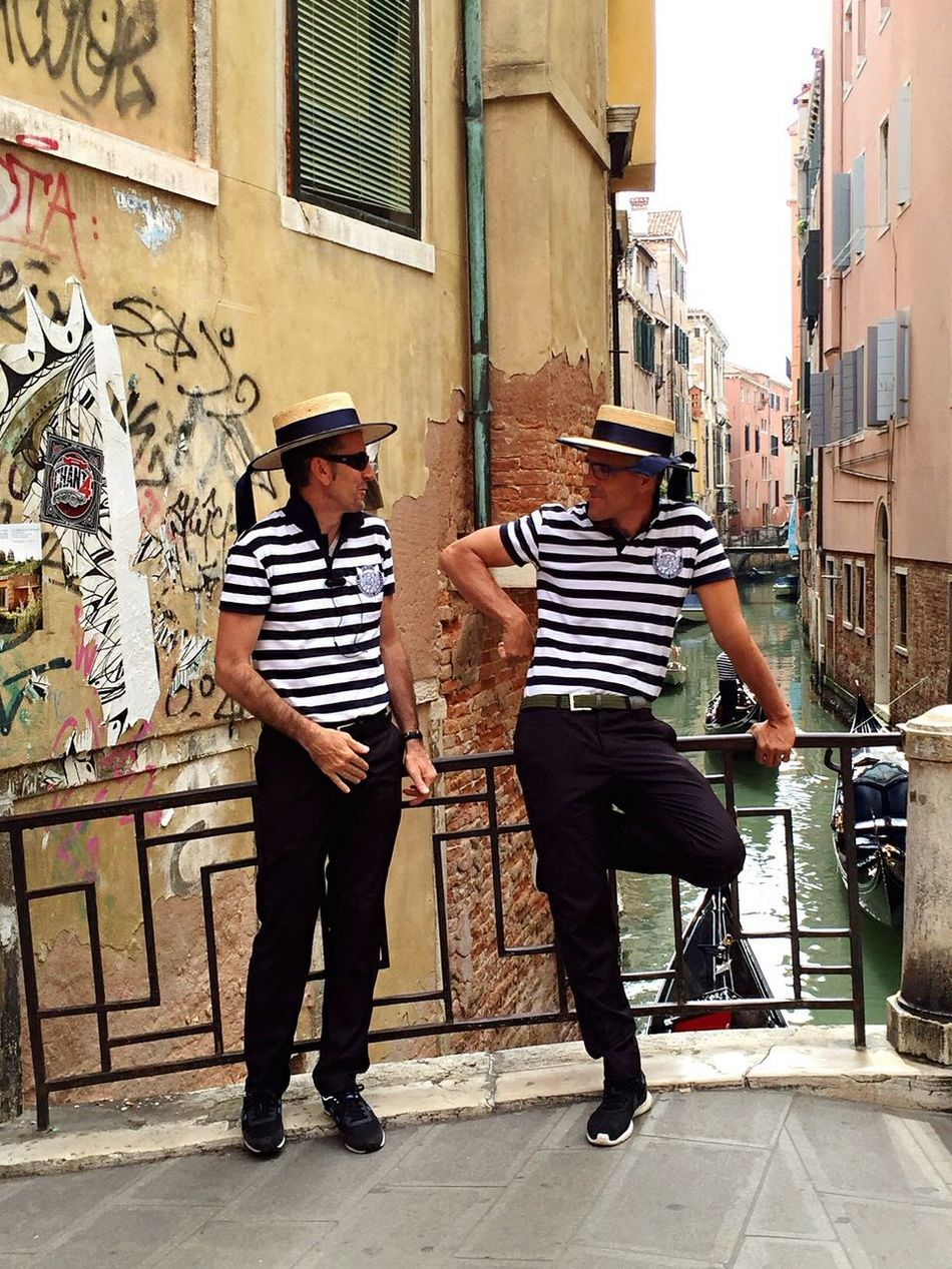 The Street Photographer - 2016 EyeEm Awards The Portraitist - 2016 EyeEm Awards The Architect - 2016 EyeEm Awards Taking Photos Waiting Venice, Italy The Great Outdoors - 2016 EyeEm Awards Historical Building Diminishing Perspective Gondolieri Canal Gondole In Venice Talking men talking together Men At Work  Men Talking Discussion The Essence Of Summer People And Places My Year My View