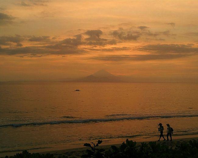 Sunset Sunsetporn Fishermen Sundown Vulcano Beachlife The World Needs More Orange Sengigi INDONESIA Lombok