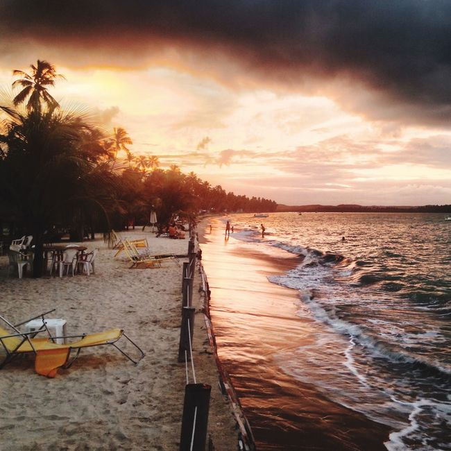 Praia Dos Carneiros Sunset Pôr Do Sol. The Essence Of Summer