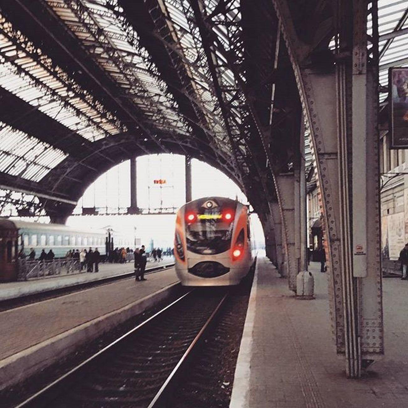 А кто-то провтыкал свой поезд. Bye-bye! FirstTime Lviv Stvalentinesday