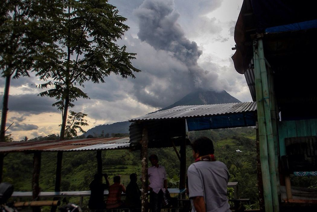 Sinabung eruption. Sky Cloud - Sky Standing Nature Sinabung Horizontal Sinabungeruption Sinabung Sumatera Utara Mountain Physical Geography Beauty In Nature Active Volcano Geology Volcano Erupting Daily Life