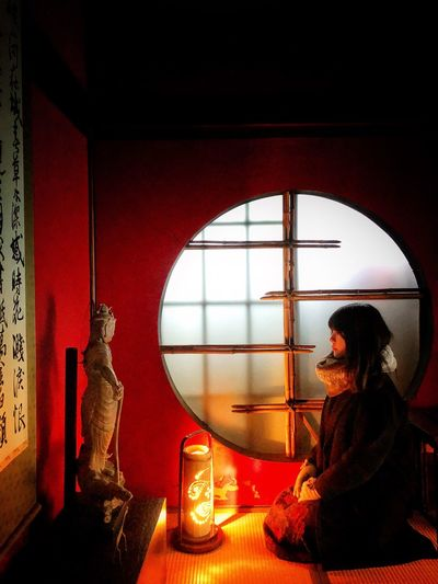 ShhotOniPhoneX Real People Indoors  One Person Window Lifestyles Women EyeEmNewHere Young Women Side View EyeEmNewHere