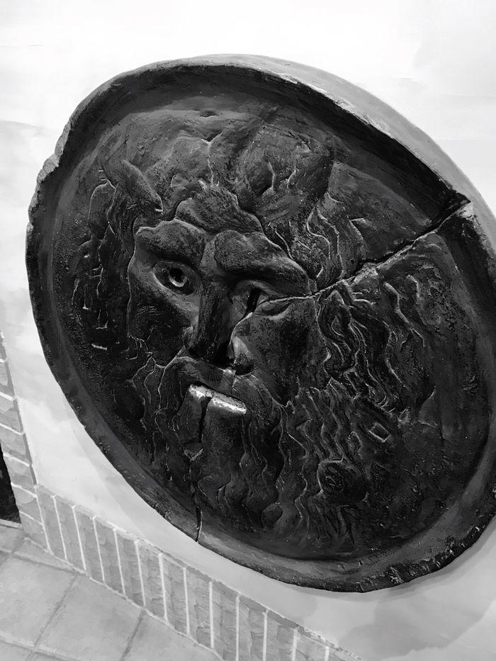 Fake Sculpture No People Close-up Statue Spirituality Day Outdoors Japan サイゼリヤ