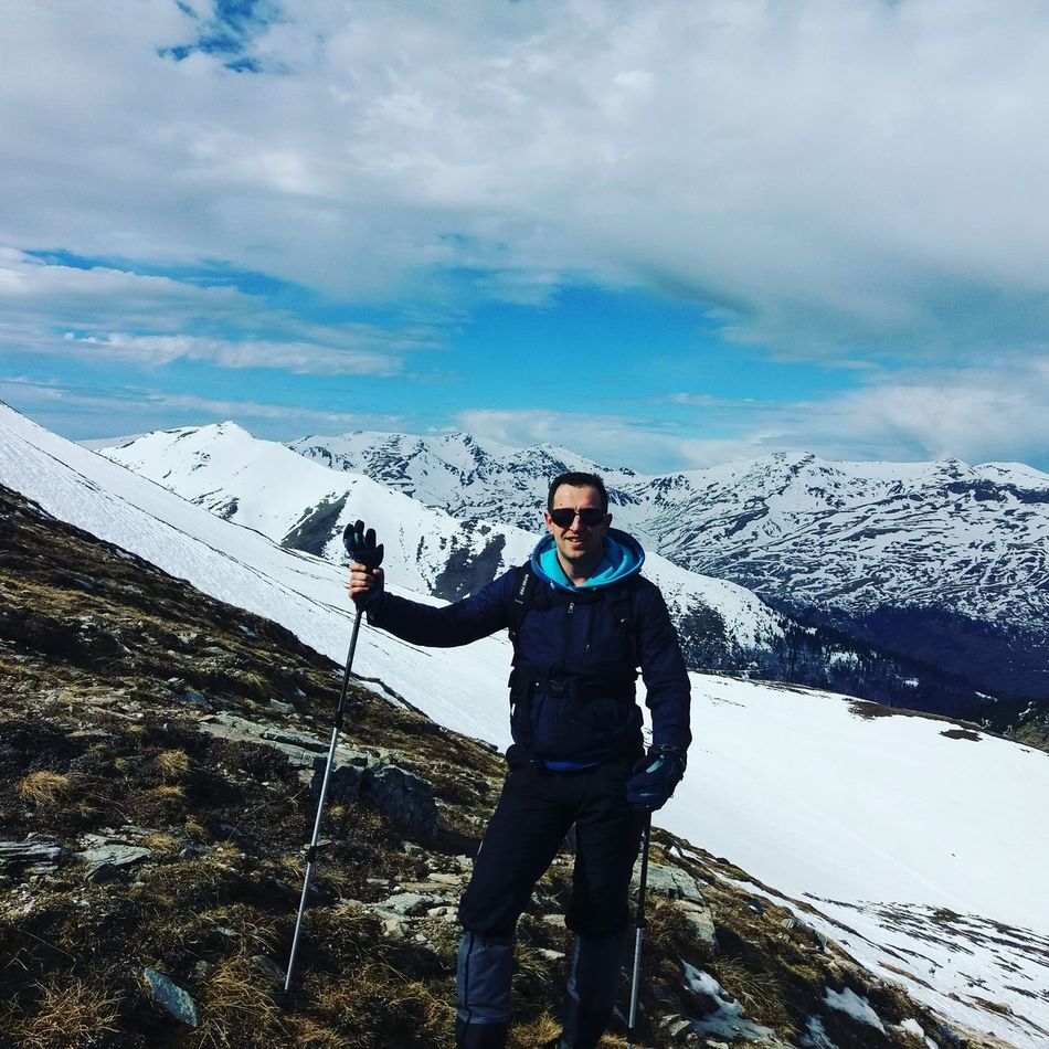 Climbing A Mountain Hicking Macedonia Relaxing Pictureoftheday Picoftheday Beautiful Nature Naturelovers That's Me Hello World Take Photos