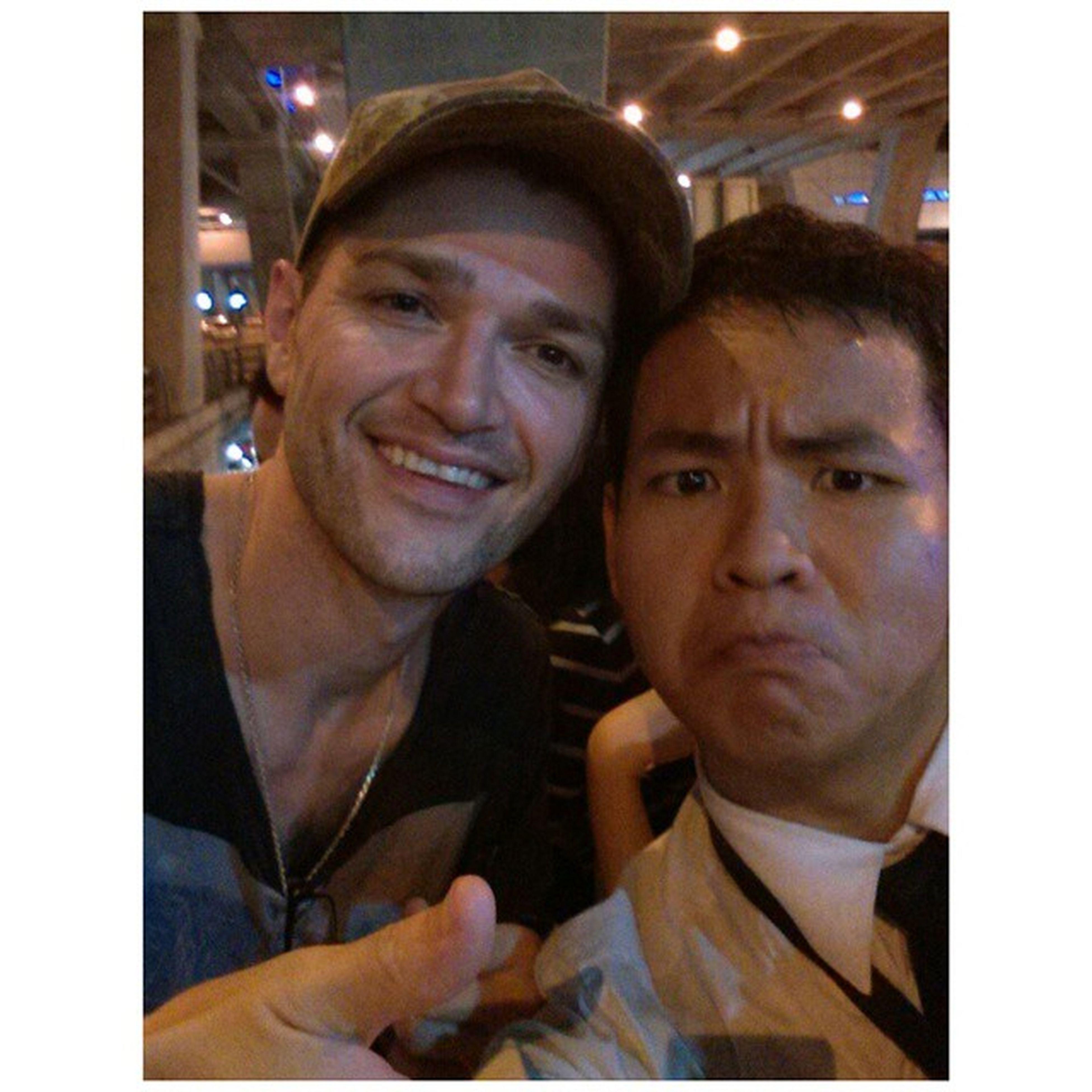 อ้าว พรุ่งนี้คอนเสิร์ต @thescriptofficial อ่า ติดสอบไปไม่ได้ เด่วเรียกเพื่อนมาเซลฟี่ก่อนขึ้นคอนแปป Thescript TheScriptThailand Dannythescript Sawasdeethescript TheScriptTH ILovethescript Selfie Bangkok Thailand