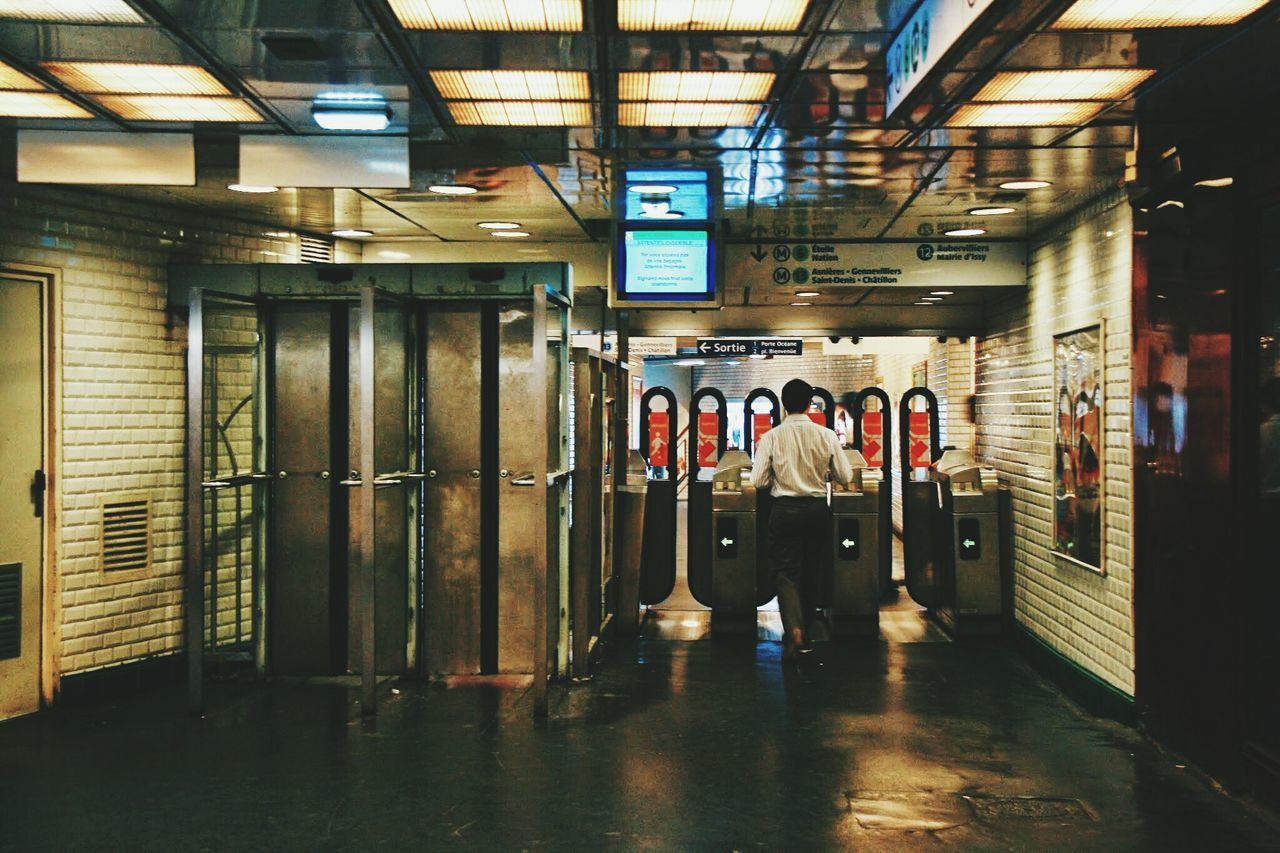 Street Photography Travelling Photography Photowalking Photowalk Underground Subway People Subway Station Subwayphotography Photowalking Paris Paris Paris By Night People Watching Undergroundstation Subway Metro Paris Thyckhangtravels The Following My Commute The Street Photographer - 2016 EyeEm Awards Feel The Journey Eyeemphoto Let's Go. Together.