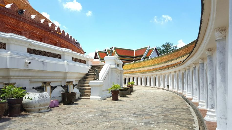Architecture Travel Vacations Outdoors No People Sunny Sunnyday Temple Buddhism Buddhist Temple Buddhist Building Buildingstyles Thailand Nakorn Phathom