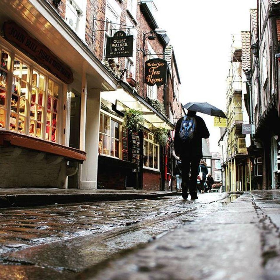 Rainy day in York 🌐 York Yorkshire Rainy Rain England Greatbritain Wanderfolk SuperHubs_mobile