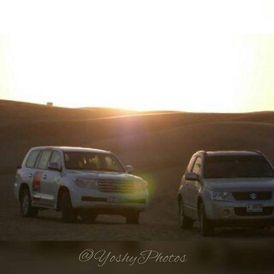 El sol se oculta para unos pocos cuando el amor ya no es correspondido Dubai Desertdubai Dubaisafari Travel Sunset Happiness Life Susuki Toyota March2015