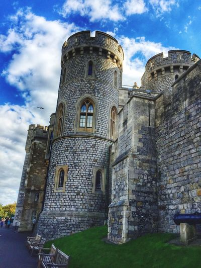 Windsor Castle Architecture Tower Travel Destinations Sky History Low Angle View The Past Stone Material Dramatic Sky Travel Photography Royal Family Windsor Berkshire Castle